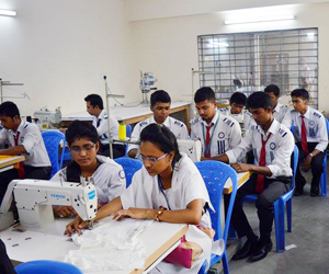 Get a diploma degree in Textile