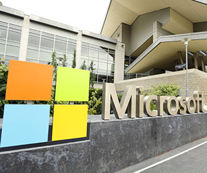 Microsoft to train women's