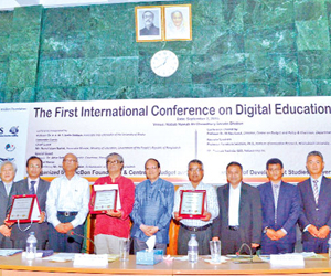 First ICDE conference at DU